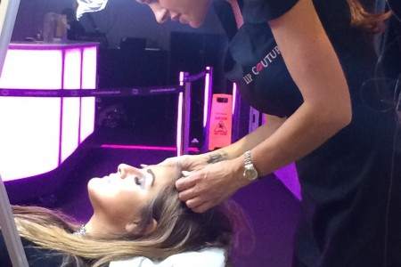Nicole tattoos Celebrity Nikki Grahames eyebrows at Girls Day Out show